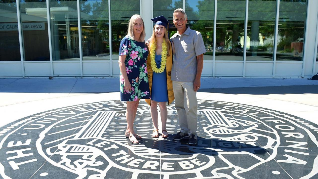 Melanie Hansen and her parents