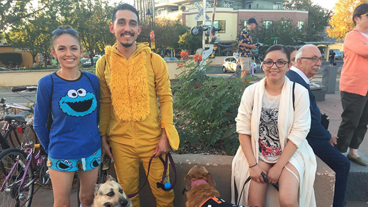 Students with dogs at Pajamarino